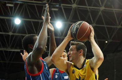 58-48. El Andorra se impone en el último cuarto en un partido de defensas