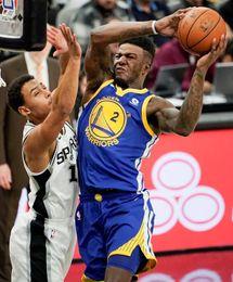 108-101. Forbes detiene mala racha de los Spurs