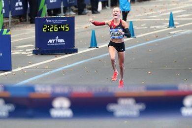 """Flanagan le dedica a EE.UU. su hito en el maratón de Nueva York tras """"dura semana"""""""