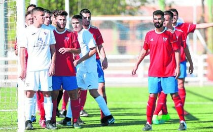 En la imagen, lance del Torreblanca-Demo disputado en la presente temporada; la temporada de los torrealbenses está siendo sobresaliente.