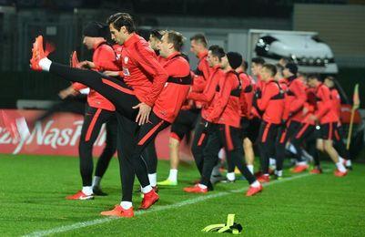 Uruguay, sin Luis Suárez, se examina ante Polonia en Varsovia