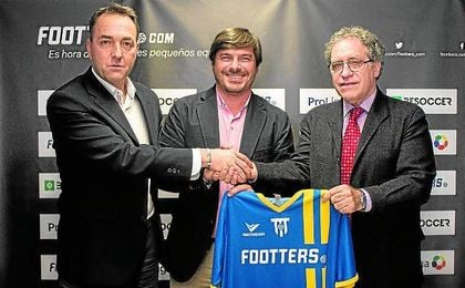 El equipo que conforma la startup Footters, durante la presentación del acuerdo.
