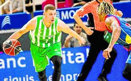 El verdiblanco McGrath, en un lance del partido ante el Andorra.