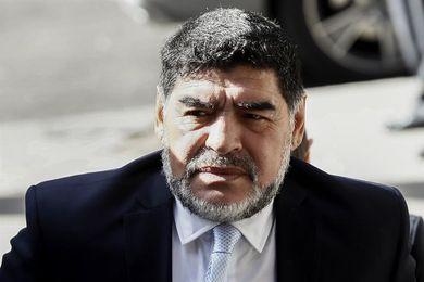 Diego Maradona dice que fue sometido a una operación en el hombro izquierdo
