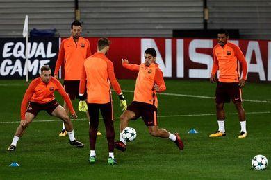El Barça rinde homenaje al ´rondo´, como pilar básico de su juego