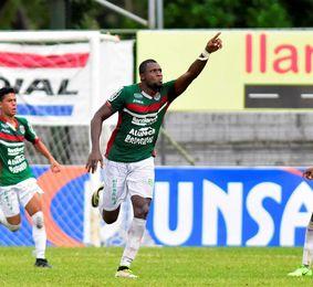 El campeón Motagua golea al Platense y escolta a un punto al líder Marathón
