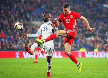 1-1. Panamá le amarga la noche a Gales sobre la bocina