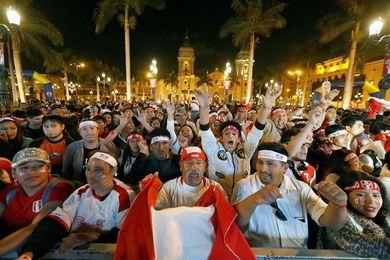 El Gobierno declarará no laborable el jueves si Perú se clasifica al Mundial