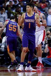 113-122. Booker y los Suns recuperan la forma y vencen a los Lakers