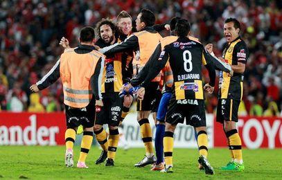 El The Strongest y el Bolívar luchan por el título a cinco jornadas del final
