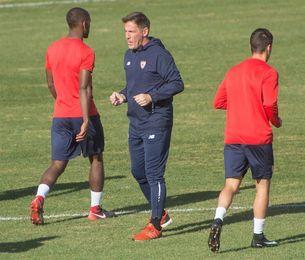 Berizzo no modifica el programa de trabajo y dirige el entrenamiento del Sevilla