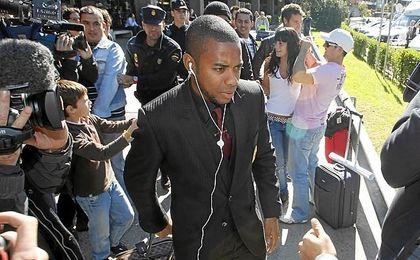 Sentencian a Robinho a nueve años de prisión por una agresión sexual