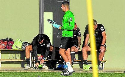 Feddal, durante un entrenamiento del Betis.