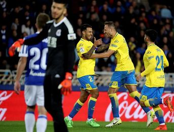 2-2. Las Palmas respira en San Sebastián con un gran gol de Viera