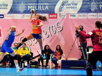 33-14. España arrasa a Ucrania y se adjudica el Ciudad de Melilla
