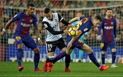 El Barcelona domina, pero el encuentro llega con 0-0 al descanso