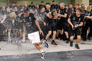 Hamilton brilló y Mercedes confirmó su dominio con su cuarto título de marcas