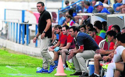 Juan Carlos Gómez está preocupado por la dinámica negativa del equipo.