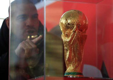 El trofeo de la copa del mundo llega al Palacio del Kremlin