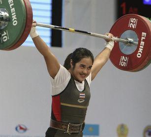 La tailandesa Sopita Tanasan logra tres oros en la categoría de los 53 kilos del Campeonato del Mundo de Halterofilia