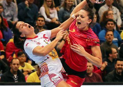19-17. España paga con la derrota su falta de acierto ofensivo