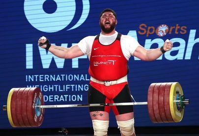El georgiano Talakhadze gana las tres medallas de oro y el título en los +105 kilos