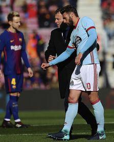 Sergi Gómez salta al césped para realizar carrera continua