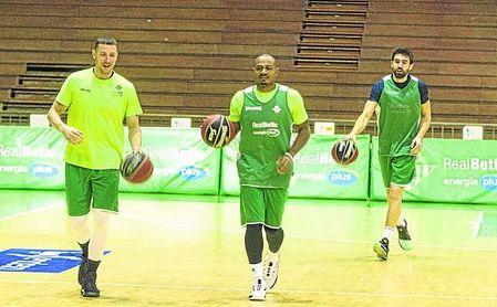 Quintana cuenta con cuatro ´opciones´ para el puesto de base: McGrath (izquierda), Draper (centro) y Franch (derecha), a los que se suma también el joven Mikel Úriz.