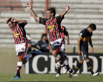 Lanús extraña a Almirón y pierde ante Chacarita en el cierre de la jornada 22 del fútbol en Argentina