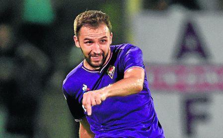El serbio Milan Badelj, con la elástica de la Fiorentina.