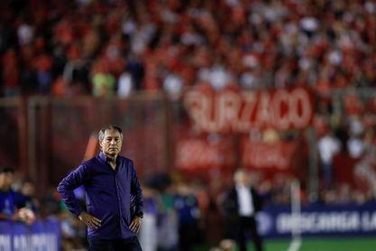 Hinchada de Flamengo causa desórdenes antes de final con Independiente en Río