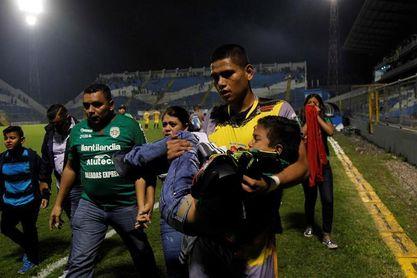 Un árbitro desata una batalla campal en el partido por la semifinal del Apertura hondureño