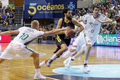 81-77. El Iberostar Tenerife logra otro triunfo de prestigio ante el Unicaja