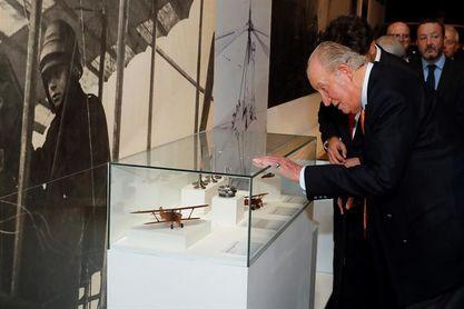 El Rey Juan Carlos: Sigo de cerca la política, es algo que va dentro de uno