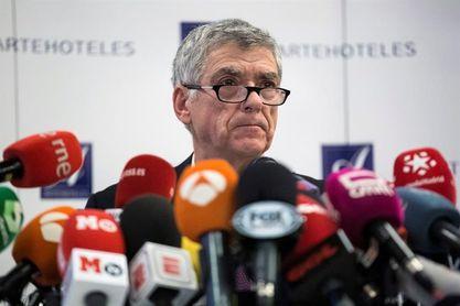"""Villar anuncia que, si pierde, acudirá """"a los tribunales internacionales"""""""