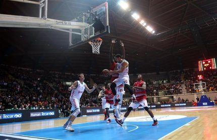 El Baskonia busca prolongar su buen momento en Milán