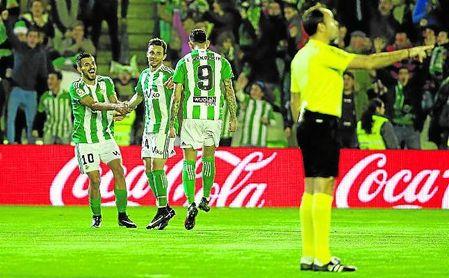 Rubén celebra el 1-0 ante el Athletic de la 16/17.