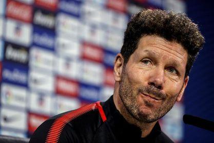"""Simeone: """"Torres hace pocos goles, pero es el ídolo del club"""""""