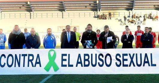 Millar de personas en el estadio de Aranda de Duero contra los abusos sexuales