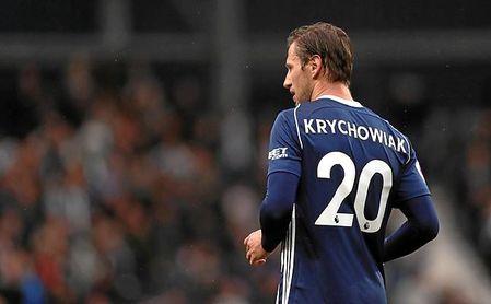 Sorprendentemente, Krychowiak está jugando en Inglaterra en posiciones avanzadas.