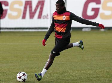 """El Arsenal asegura que está """"estudiando la manera de ayudar"""" a Emmanuel Eboué"""