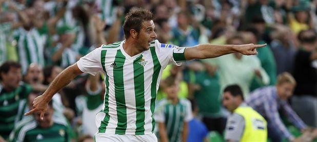 Joaquín amplía su contrato con el Betis hasta 2020