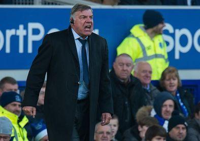 El Everton se interesa por Cenk Tosun y no pierde de vista a N´Zonzi