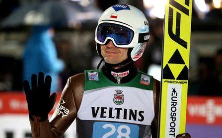 El polaco Stoch golpea primero en Oberstdorf