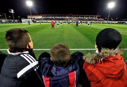 El Valencia realizó un entrenamiento abierto ante casi 2.000 aficionados
