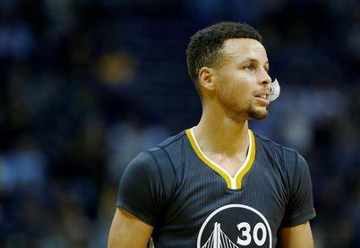 141-128. Curry hace su regreso triunfal y vence a los Grizzlies de Gasol