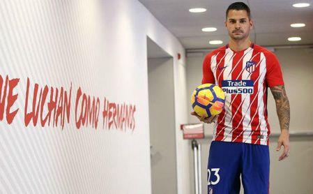 Vitolo, en su presentación con el Atlético.