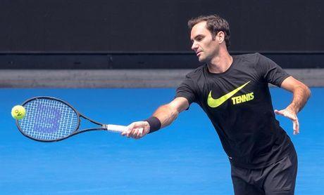Roger Federer se entrena en Melbourne