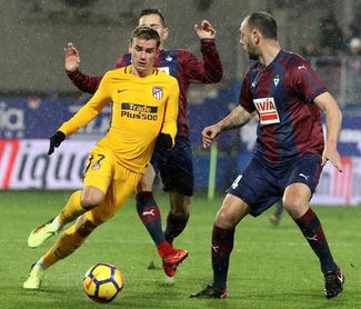 Gameiro firma la victoria del Atlético en Ipurua (0-1)