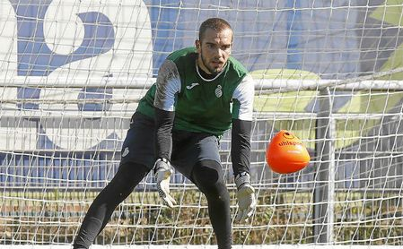 Pau López, portero pretendido por Sevilla y Betis.